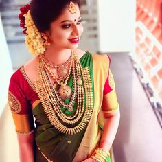 Beauty Pictures: Wedding Saree and South Indian Bride - Beauty Pictures: Wedding Saree and South Indian Bride - Kerala Wedding Saree, Wedding Saree Blouse, Kerala Bride, Bridal Silk Saree, South Indian Bride, Indian Bridal, Telugu Wedding, Silk Sarees, Kerala Saree Blouse Designs
