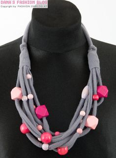 DIY Tutorial: wooden beads / fabric - necklace a la Anthropology