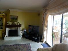 http://www.property-management-marbella.com/properties-for-sale/villa-in-el-paraiso-alto/    Villa for sale in El Paraiso, Estepona, Costa del Sol, Malaga, Spain