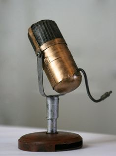 Mid Century Vintage Pill Microphone - A Relic of Times Past - Unique Gold Retro Art Gift for Him, for Her, Birthday, Groomsmen. Another awesome nick nack. Vintage Diy, Vintage Stuff, Industrial House, Industrial Style, Radios, Cassette Vhs, Vintage Microphone, Bronze, Retro Art
