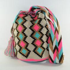 Mochila wayuu with 10% discount - use code SPRINGISHERE at www.luloplanet.com Tapestry Bag, Tapestry Crochet, Boho Bags, Free Crochet, Crochet Bags, Sofia Vergara, Paris Hilton, Rita Ora, Shakira