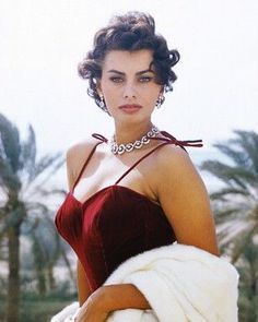 Sophia Loren Photos - a stunning woman