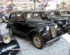 Renault juvaquatre berline de 1946 (Cité de l'Automobile Collection Schlumpf à Mulhouse) 01