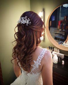 Brauthaar- und Make-up-Modelle 2017 www. # Makeup Office - K.Pi - Brauthaar- und Make-up-Modelle 2017 www.basakkuaforma … # Makeup Office – K.Pi Brauthaar- und Make-up-Modelle 2017 www.basakkuaforma … # Makeup Office – K. Bridal Hair Vine, Bridal Hair And Makeup, Wedding Makeup, Hair Makeup, Wedding Hair And Makeup Brunette, Quince Hairstyles, Wedding Hairstyles, Bride Hairstyles Down, Hairstyles Videos