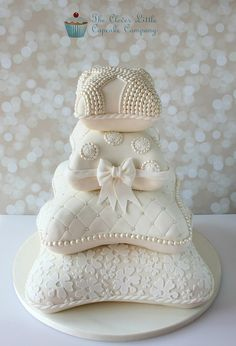 Pillow/Cushion Wedding Cake - Based on a design by Elizabeth Solaru, this is my take on it. The bride asked me to recreate it, and with Elizabeth's kind permission, I put my own twist on it. Wedding Cake Base, Amazing Wedding Cakes, White Wedding Cakes, Elegant Wedding Cakes, Wedding Cake Designs, Wedding Cupcakes, Amazing Cakes, Pillow Wedding Cakes, Pillow Cakes