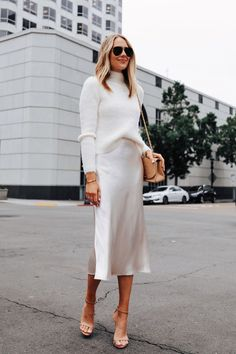 Fashion Jackson Wearing Banana Republic White Fuzzy Sweater White Slip Midi Skirt Winter White Party Outfit 1 Source by fashion_jackson ideas how to style Looks Street Style, Looks Style, Casual Looks, Classy Casual, Classy Style, Classy Chic, Party Fashion, Look Fashion, Winter Fashion