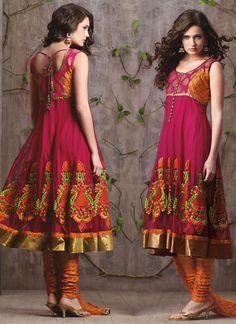 Women Dresses indian - Here view Indian salwar kameez dresses.Indian salwar suits online for women. India Fashion, Suit Fashion, Women's Fashion Dresses, Classy Fashion, Party Fashion, Fashion Styles, Fashion News, Fashion Women, Vintage Fashion