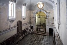 A budding Jewish community is rediscovering its history in Palermo, and working with the local diocese to open a synagogue in the Sicilian capital. New York Times, Ny Times, Israel History, Jewish History, Palermo, Italy Travel, The Locals, Past, Europe