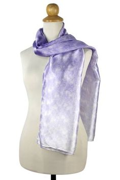 Thailand's Banlue Lueruang uses tie-dye techniques to achieve the illusion on this elegant scarf. The rich lustrous textures of rayon and silk are mottled in violet in the modern design of this scarf. Making Cushion Covers, Cushions To Make, Tie Dye Techniques, Summer Scarves, Cotton Scarf, Green Cotton, Illusion, Folk Art, Modern Design