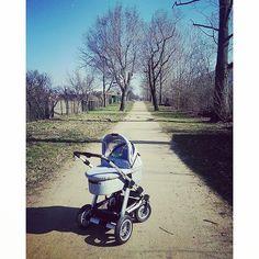 Thanks @mrs_flex87 Enjoying the #wintersun with the #abcdesign_viper4 #abcdesign #viper4 #thinkbaby #sunnyday #sunnystroll #outdoor #whataday #airwheels #pushchair #stroller #pram #kinderwagen #baby #winterbaby #newborn #familienglück #picoftheday
