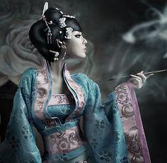 Moko Mizz Zee Geisha