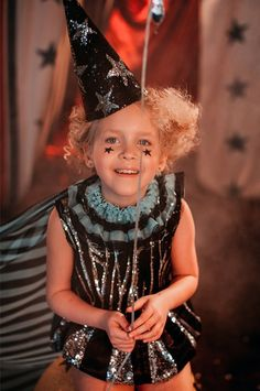 ГЛАВНАЯ Baby Costumes, Halloween Costumes, Halloween 2020, Vintage Circus Costume, Cool Kids Clothes, Artists For Kids, Circus Party, Groom Attire, Fashion Shoot