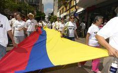 _DSC4555 Marchas civicas de la region. fto Gilberto Guarin Coffee Percolator, Scenery