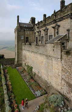 Stirling Castle | Stirling, Scotland. Our tips for 25 fun things to do in Scotland: http://www.europealacarte.co.uk/blog/2010/12/30/things-scotland/