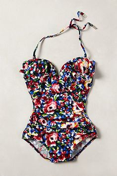 Love this swimsuit,  so perfectly pin up! :: Vintage Swimwear:: Retro Onepiece:: Pin Up Bathingsuit