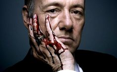 Walter White vs Frank Underwood: Who really is the one who knocks? This is the age of anti-heroes dramas. Walter White (Bryan Cranston) and Frank Underwood (Kevin Spacey) are the living proofs of a. Kevin Spacey, New Netflix, Netflix Movies, Netflix Sense8, Netflix Account, Frases De Frank Underwood, House Of Cards Season 5, House Cards, Jokes