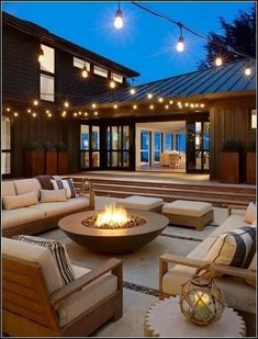 comfortable backyard patio design ideas for autumn season inspiration 11 Backyard Seating, Backyard Patio Designs, Backyard Landscaping, Fire Pit Seating, Backyard Retreat, Modern Landscaping, Landscaping Ideas, Dream Home Design, Modern House Design
