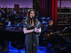 """Absolutely beautiful! => David Letterman - Idina Menzel: """"You Learn To Live Without"""" #ifthen #musical"""