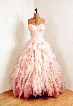 i don't know when i'd ever wear this but it is quite pretty. :)