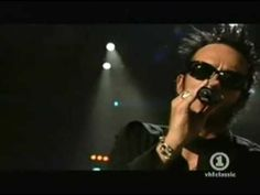 Scott Weiland, Cyndi Lauper & Pat Monahan - Time After Time