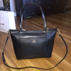 Coach Crossgrain Pocket Tote (Large) New with tags, so beautiful and versatile. Crossbody strap is removable and the bag can be worn on your arm. ‼️ price firm on this one. No trades, don't ask Coach Bags Totes