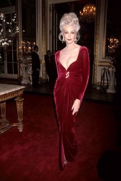 Carmen Dell'Orefice Plastic Surgery   STARTED YOUNG