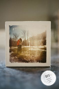 DIY Photo Canvas Art- thought a few of these on the 'photo wall' would look quite nice. Not many though We can grunge them up a bit too so they look vintage. Photo Projects, Diy Projects To Try, Crafts To Do, Art Projects, Diy Crafts, Deco Tumblr, Cadre Photo Diy, Cuadros Diy, Foto Transfer