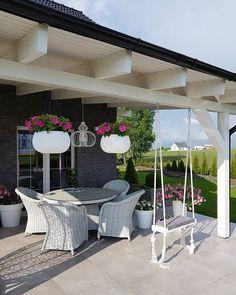 Back Garden Landscaping, Backyard Garden Design, Balcony Garden, Bedroom Cupboard Designs, Apartment Balcony Decorating, Garden Deco, Modern Outdoor Furniture, Patio Plants, Dream House Exterior