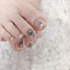 Cute Toe Nails, Fancy Nails, Toe Nail Art, Bling Nails, Swag Nails, Feet Nail Design, Feet Nails, Toenails, Nagellack Design