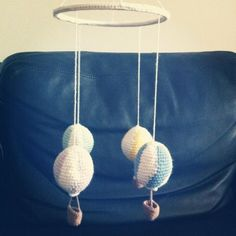 Pattern: Baby mobile with hot air balloons (DIY) Baby Patterns, Crochet Patterns, Free Crochet, Knit Crochet, Crochet Baby Mobiles, Hot Air Balloon, Diy Baby, Diy And Crafts, Creative
