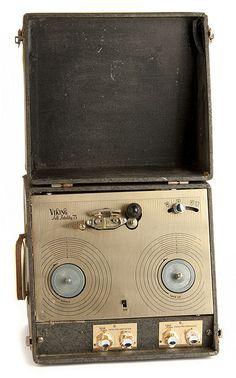 Viking Model Full Fidelity 75 - 1950s tape recorder