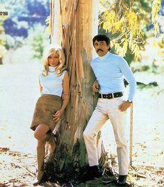 http://userserve-ak.last.fm/serve/_/183982/Nancy+Sinatra++Lee+Hazlewood.jpg