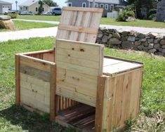 Sides, top, partition for compost bin