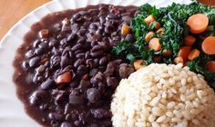 Ingredients: 4 a 5 cups of cooked black beans (or oz. cans of low sodium black beans) 1 large onion, chopped fine 1 green or red bell pepper, chopped fine 2 to 3 cloves ofgarlic tsp groun. Food Staples, Black Eyed Peas, Plant Based Recipes, Black Beans, Nutrition, Stuffed Peppers, Vegetables, Eat