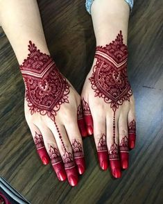 Mehndi is an expression of love that every woman loves to wear. In any moment of joy, the girls love to wear mehndi designs like on the occasion of Eid or marriage. Mehndi Designs Front Hand, Henna Tattoo Designs Simple, Mehndi Designs Book, Stylish Mehndi Designs, Mehndi Designs 2018, Mehndi Designs For Fingers, Beautiful Mehndi Design, Mehndi Designs For Hands, Mehandi Designs