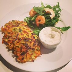 The Body Coach: Carrot, leek & parsley fritters with chilli Prawns and lime & @totalgreekyoghurt Dip! #Leanin15