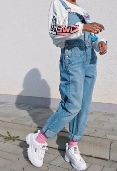 Casual Outfit Ideas for Teens – Casual Outfits for Daytime Casual Outfit Idea. Casual Outfit Ideas for Teens – Casual Outfits for Daytime Casual Outfit Ideas for Teens – Cas Vintage Outfits, Retro Outfits, Trendy Outfits, 90s Style Outfits, Soft Grunge Outfits, Cool Girl Outfits, Grunge Hair, Neon Outfits, 90s Grunge