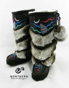 33 Stylish Street Style Outfits To Copy Asap - Fashion New Trends Native Beading Patterns, Beadwork Designs, Native Beadwork, Indian Boots, Stylish Street Style, Native American Dress, Native Wears, Santa Boots, Beaded Moccasins