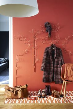 Inspired by nature; perfect for the hallway, bedroom, bathroom or kitchen. Three different hangers in copper, black or white. Hangers, Clothes Hanger, Smart Storage, Coat Hanger, Storage Solutions, Copper, Mood, Black And White, Inspired