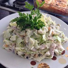 No photo description available. Cold Appetizers, Appetizer Salads, Salad Recipes, Snack Recipes, Healthy Recipes, Turkish Salad, Turkish Recipes, Ethnic Recipes, Recipes