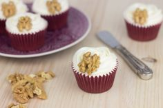 Objective: Cupcake Perfecto.: Hummingbird Cupcakes (Or what is the same, cupcakes, pineapple, banana, coconut and nuts ...)