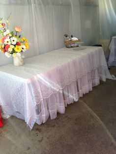 Outdoor Wedding We Took Curtain Sheers And Plastic Tablecloths This Was The Cake Table