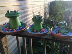 Clay pot terra cotta frogs