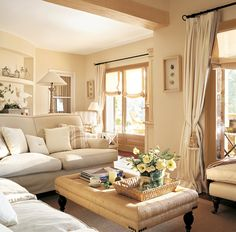 37 Tips to Decorate a Long Wall in Living Room – Living Room Cozy Cream Living Rooms, Cottage Living Rooms, Home Living Room, Interior Design Living Room, Living Room Designs, Living Room Decor, Monochromatic Room, Salons Cosy, Piece A Vivre