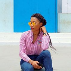 Bien le Bonjour à vous . J'espère que vous avez bien débuté votre semaine . N.E.W. L.O.O.K Sur le BLOG.  Lien direct dans mon profil   #likeit #casual #casualstyle #togolesebloggers #bbloggers #inspiration #beautysbombshells #beautiful #eyes #love  #black #blackgirlkillingit #blackgirlsrock #modeuse #fashionaddict #look #like4follow #like4like #fashion #style  #fashionbloggers #follow #life #Outfitoftheday #blogmode #blogueusemode  #fashionblog  #africanfashionbloggers #selfie