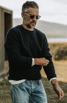 Best enjoyed alongside a warm beverage of your choice The Wave Sweater in Navy by Taylor Stitch is your new goto this winter. Mode Masculine, Stylish Men Over 50, Most Stylish Men, Stylish Man, Ulzzang Girl Fashion, Mode Outfits, Fashion Outfits, Men's Fashion, Fashion Logos