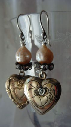 Vintage Repurposed Heart Locket Dangle Earrings Gold Fill over Sterling Locket Charms, Heart Locket, Found Object Jewelry, Vintage Jewelry Crafts, Vintage Lockets, Jewelry Design, Jewelry Ideas, Heart Jewelry, Handcrafted Jewelry