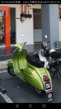 134 best love that vespas images in 2019 motor scooters rh pinterest com