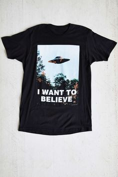 The X-Files I Want To Believe Long Tee - Urban Outfitters