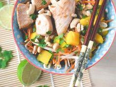 Salade thaï // Mangue, carotte, soja et cacahuètes • Hellocoton.fr